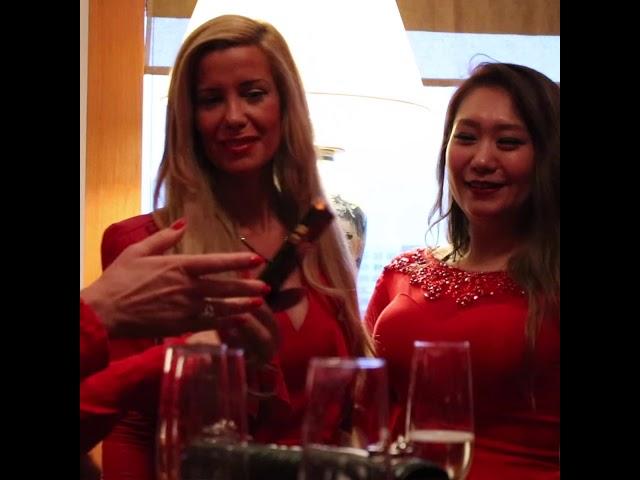 3. Red Ladies Treffen in China Club Berlin (Platyn)