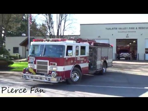 Engine 52 Responding Tualatin Valley Fire & Rescue (2001 Pierce Dash)