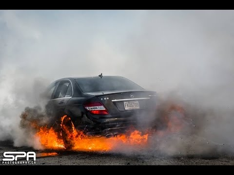 Muscle Cars Burnout Wallpapers Mercedes C63 Amg Burnout And Caught On Fire Hd Youtube