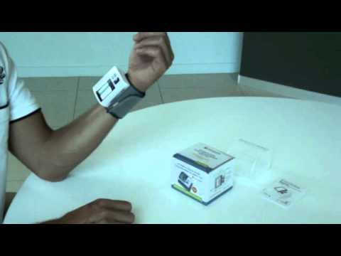 q-200-blood-pressure-monitors-wrist-type
