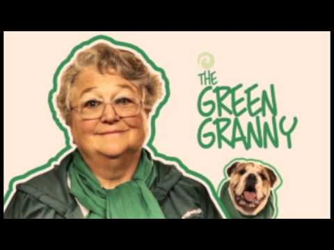 mr.o-on-the-set-of-the-green-granny-commercial-with-celebrity-trained-dog-kia