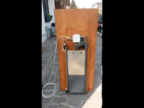 Porta per pollaio automatica crepuscolare 12 volt youtube - Porta per soffitta ...