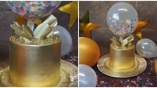 Pastel Dorado En Chantilly y Cake Topper chocolate