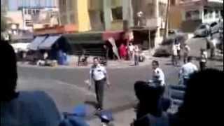 İzmir'de polisin bir vatandaşı silahla vurma anı kamerada!