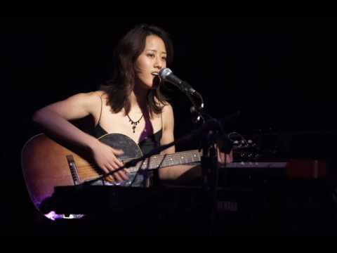 Vienna Teng - Leaving On A Jet Plane (John Denver cover)