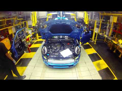 Timelapse footage of a MINI as it goes through production process