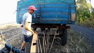 Тракторист! Как сцепить два прицепа? Урок вождение на тракторе ЮМЗ-6 задним ходом.