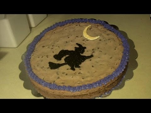 How To Giant Chocolate Chip Cookie Cake For Halloween