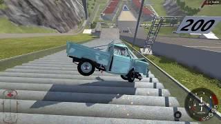 BeamNG.drive araba oyunu, devasa merdivenden aşağı araba ile uçmak