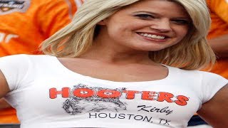 The Real Reason Hooters Is Disappearing Across the Country
