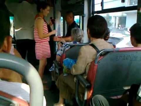 прижал телку в автобусе