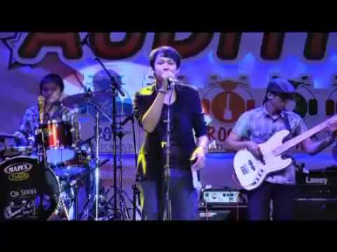 Keong Racun Jazz Cover - Domino Line