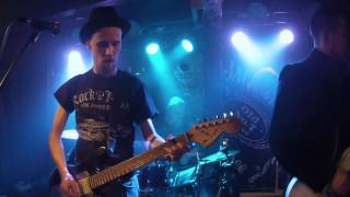 Leevi and the Leavings - Raparperitaivas [cover by D.F.I. @ Zet-baari 02.04.2015]
