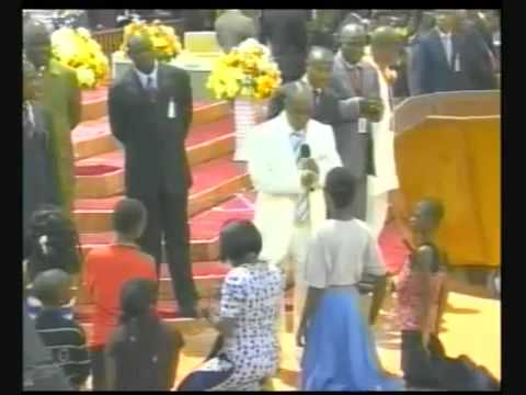 Why I Slapped A Worshipper    Bishop David Oyedepo   Nollywood Gossips, News in Nigerian Newspapers Today
