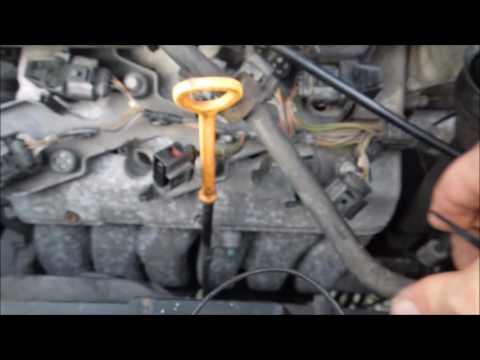 2003 VW EuroVan VR6 Plug Change movie