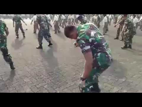 TNI GOYANG MANISE