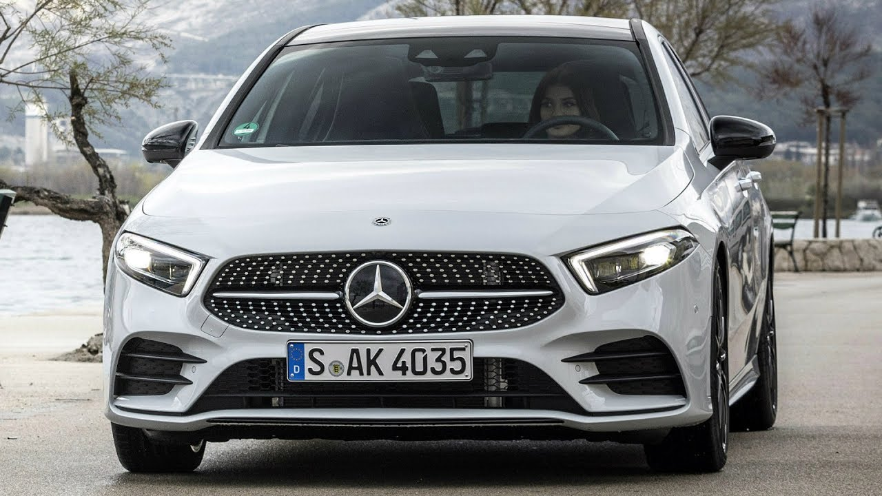 2018 mercedes a 200 the benchmark in the compact class. Black Bedroom Furniture Sets. Home Design Ideas