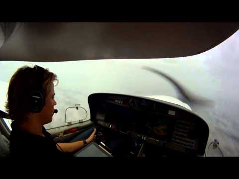 IFR Cross Country Flight in Real IMC with Rain and Low Visibility in a Diamond DA40 with ATC