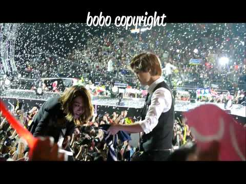 23.06.2012 All artists from the closing of Music Bank Live in Hong Kong singing DJ Doc's Run To You