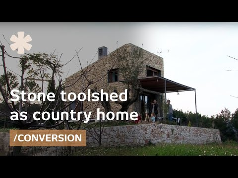 Stone toolshed as timeless mediterranean tiny home (25m2)