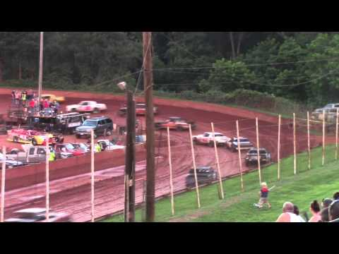 Winder Barrow Speedway Stock Eight Cylinder Feature Race 6/20/15