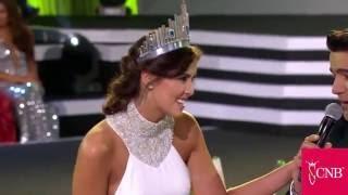 Velada de Elección y Coronación 2015 (Entrada Paulina Vega)