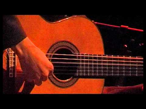 Mirta Alvarez, guitarra que canta