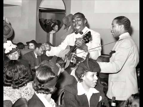 Lonnie Johnson - Stepping On The Blues