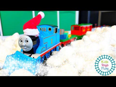Thomas Christmas Delivery Bachmann HO Scale Model Railroad