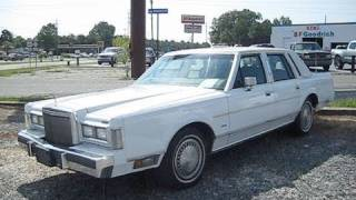 1988 Lincoln Town Car Start Up, Engine, and In Depth Tour