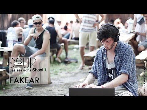Fakear - La Lune Rousse - Shoot It à Dour Festival