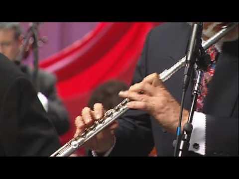 Manhattan Jazz Orchestra - MOONLIGHT SERENADE