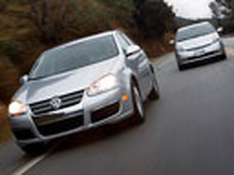 Toyota Prius vs. VW Jetta TDI Diesel | Comparison Test | Edmunds.com