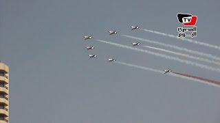 استعراض جوي لطائرات حربية في سماء القاهرة