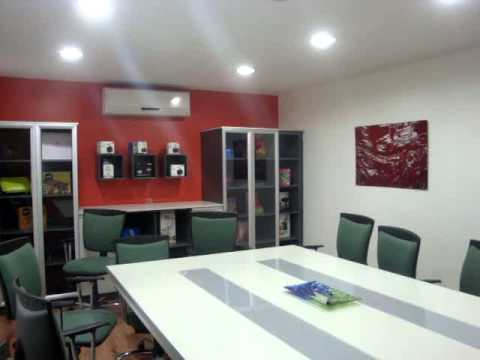 Color en movimiento decoraci n oficinas youtube - Decoracion de oficinas ...