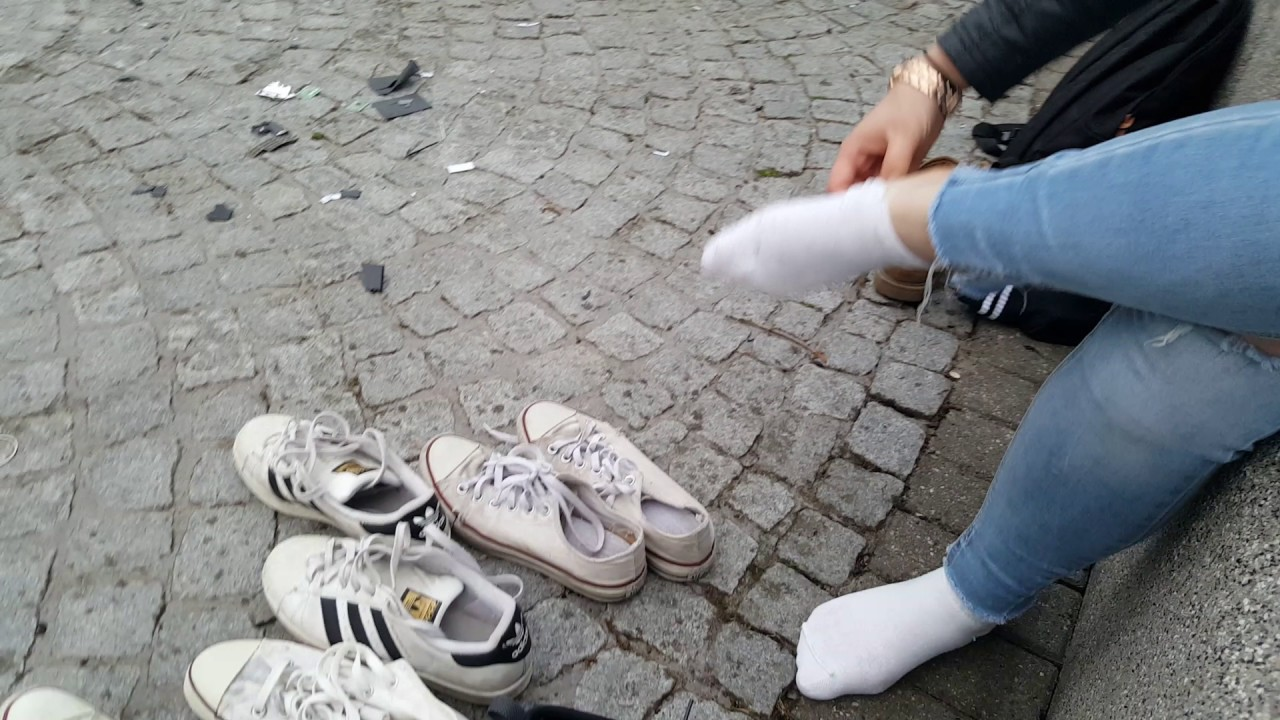 Celina: Clean white socks (part 1 of muddy socks and shoes ...