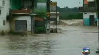 momento em que a água invadiu  o município de Rio Largo, em Alagoas.