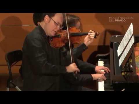 V. Tchijik & A. Urroz play Bach/Gounod Ave Maria, Prado Museum Recital.