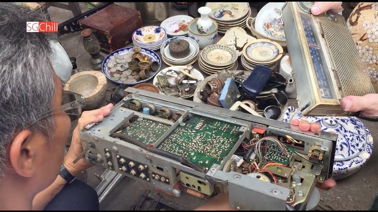 Khám phá chợ trời Nhật Tảo tìm mua chiếc Radio cũ nghe bình luận World Cup