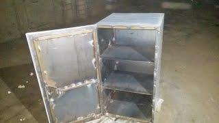 Сейф своими руками или как сделать железный шкаф.(Видео о том как мы с другом сделали железный шкаф или даже сейф, в гаражных условиях. На производство шкафа..., 2015-11-22T07:34:56.000Z)