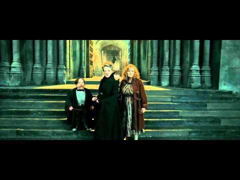 Thumbnail: Harry Potter and the Deathly Hallows - Part 2 (Protecting Hogwarts Scene - HD)