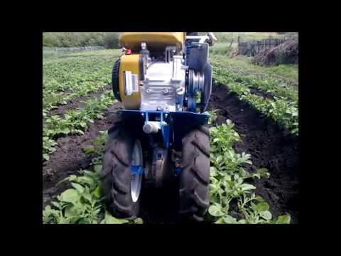 Как окучивать картошку мотоблоком нева видео