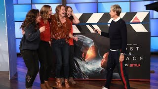 Ellen's Fans Play an Out of This World Game of 'Guesstures'!