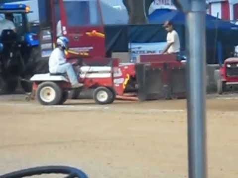 Gravely Tractor Pulling