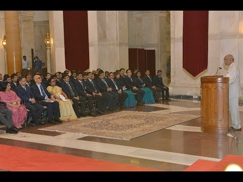 Probationers of 67th (2015) Batch of the Indian Revenue Service calls on President Kovind