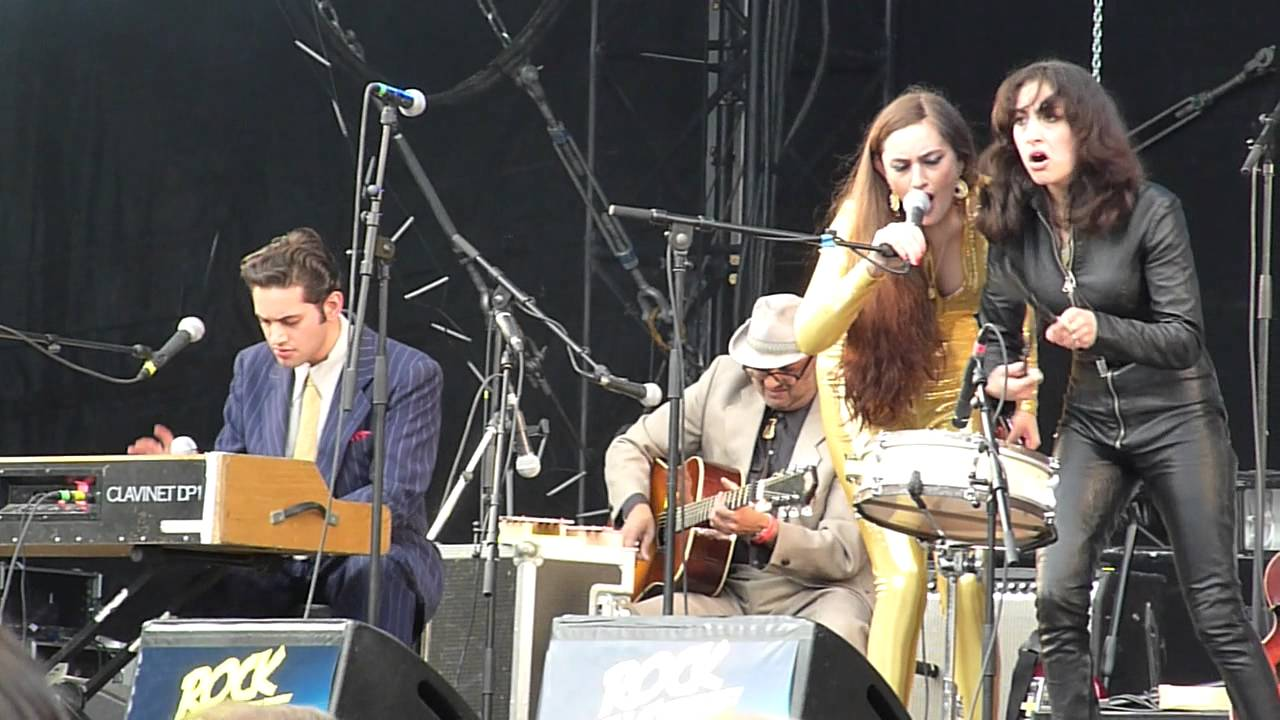 kitty-daisy-lewis-going-up-the-country-220814-canned-heat-cover-rock-en-seine-pitifreak
