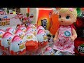 Hana & Baby ALive Beli Kinder Joy + Disney Tsum Tsum + Princess Chococup | Mainan Anak Surprise Eggs
