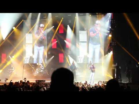 Darius Rucker History In the Making- Phoenix Concert