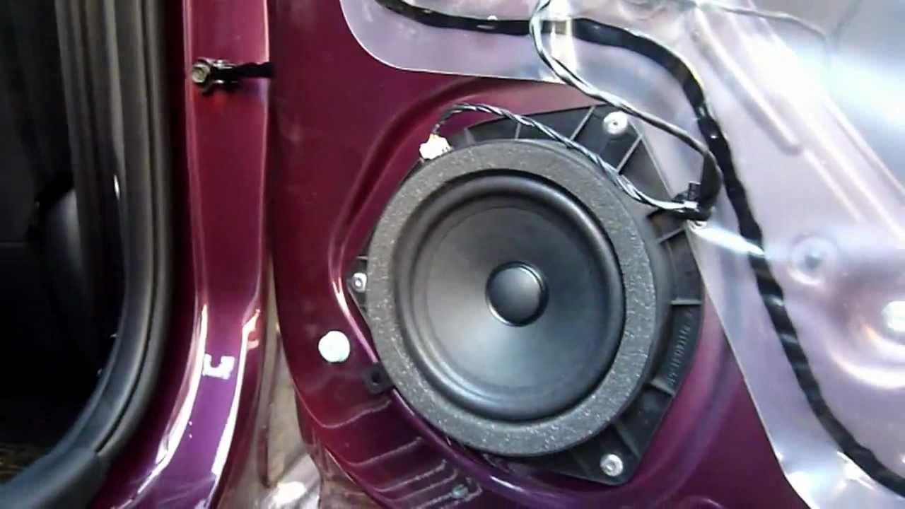 Замена штатной акустики на автомобиле Solaris.
