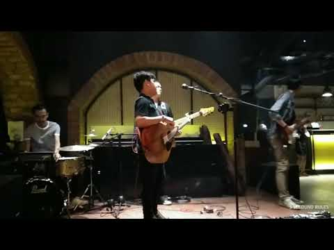 MERINDUKANMU - D'MASIV ( Live Cover 5 SECOUND RULES )